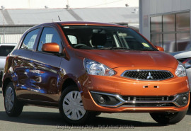 Mitsubishi Mirage Hatch ES LA