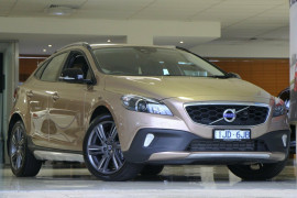 Volvo V40 Cross Country D4 Adap Geartronic Luxury M Series MY16