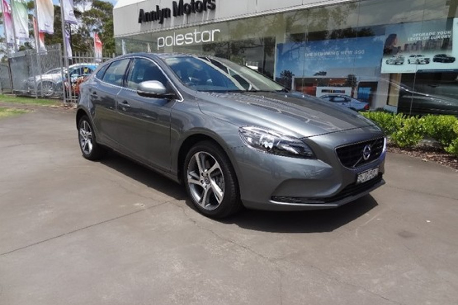 2016 volvo v40 d2 kinetic for sale annlyn motors volvo. Black Bedroom Furniture Sets. Home Design Ideas