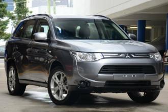 Mitsubishi Outlander ES 4WD ZJ MY14