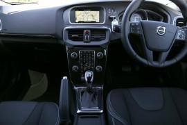 2016 MY17 Volvo V40 M Series T3 Momentum Hatchback