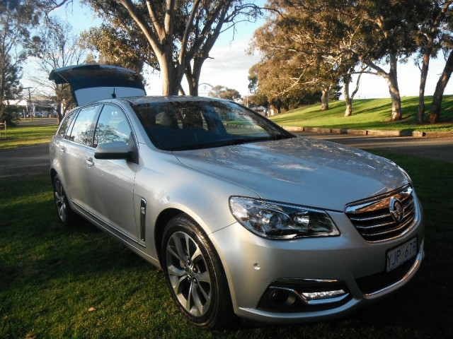 used 2013 holden commodore vf calais wagon for sale in goulburn john mcgrath ford. Black Bedroom Furniture Sets. Home Design Ideas