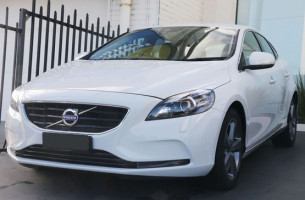 Volvo V40 D4 LUXURY (No Series) MY16