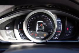 2017 MY18 Volvo V40 M Series D2 Momentum Hatchback