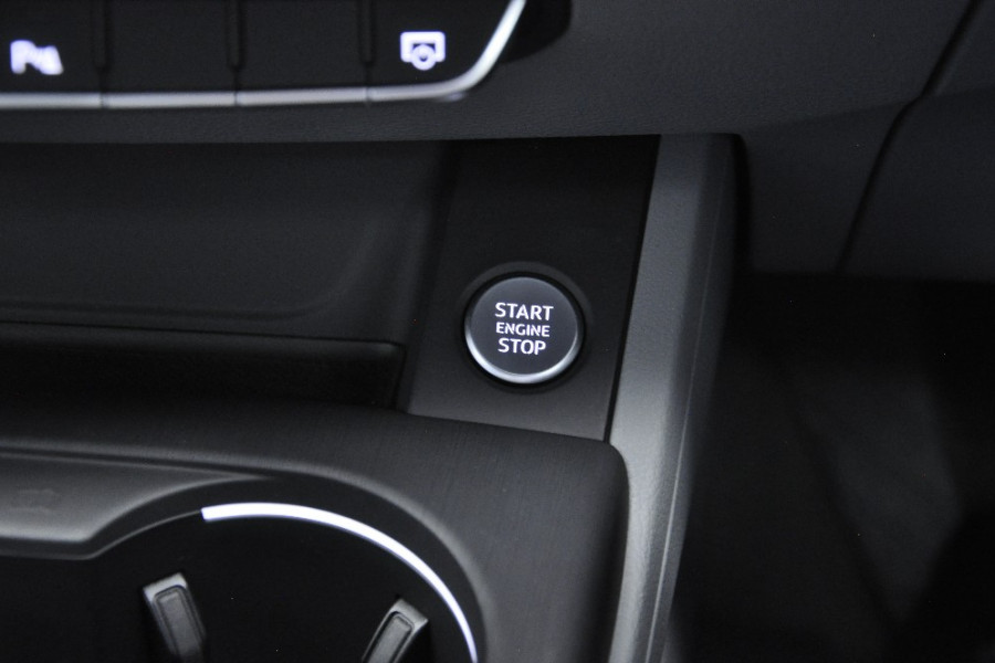 2016 MY17 Audi A4 B9 F4  sport Sedan