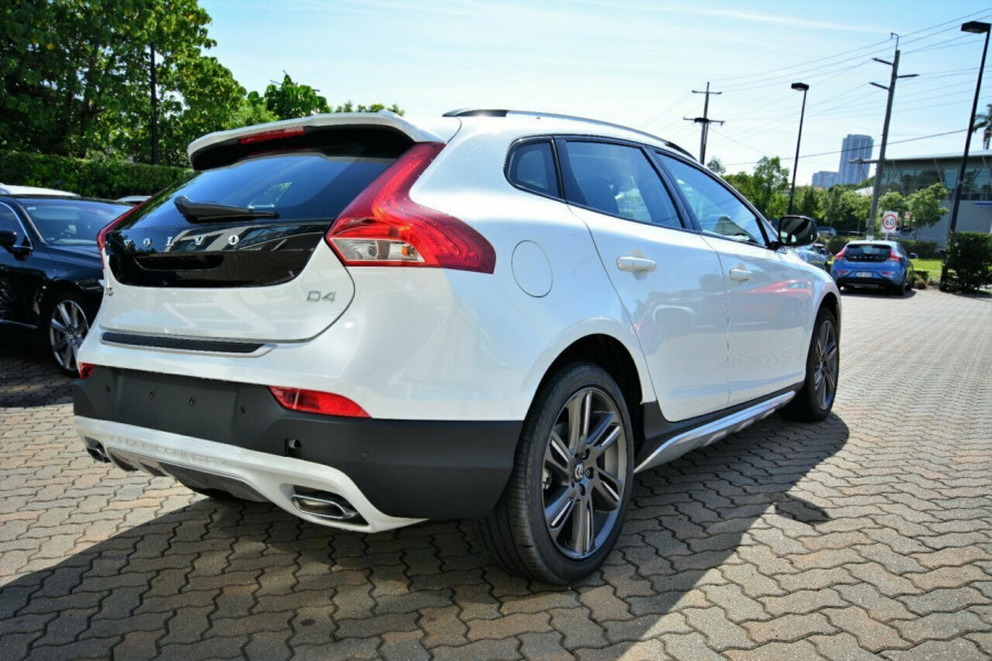2016 MY Volvo V40 Cross Country M Series D4 Luxury Hatchback