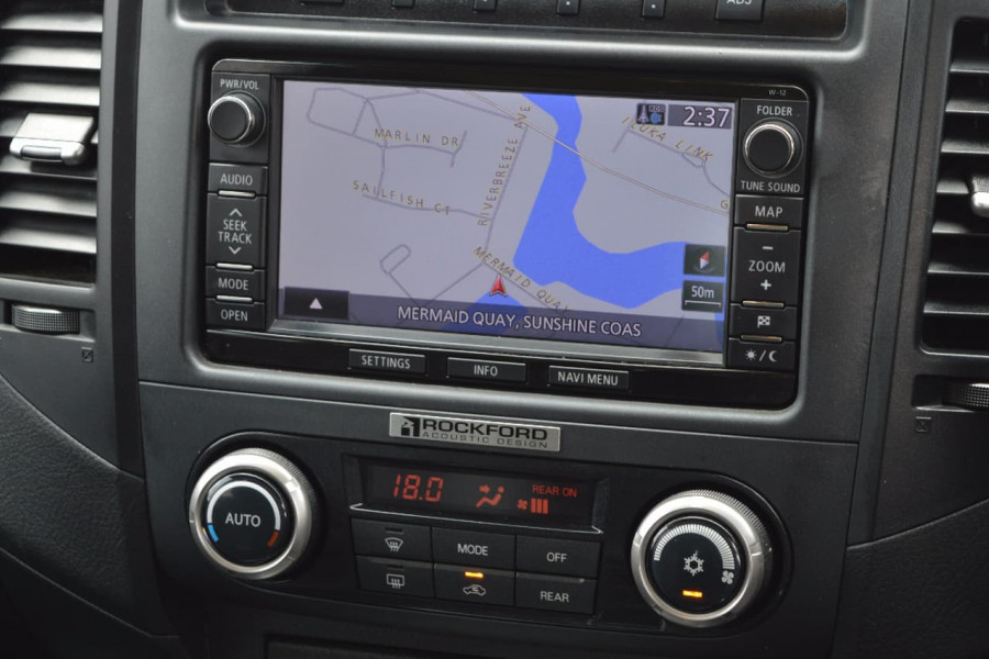 2013 Mitsubishi Pajero NW  Exceed Wagon