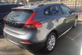 2017 Volvo V40 Cross Country M Series T4 Momentum Wagon