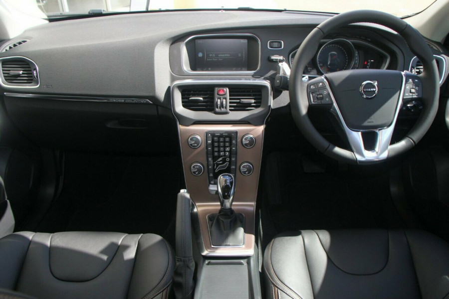 2016 MY17 Volvo V40 Cross Country M Series D4 Inscription Sedan