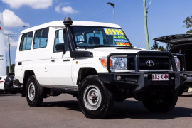Toyota Landcruiser Troop VDJ78R Workmate