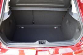 2017 Renault Clio X98 IV Phase 2 Life Hatchback