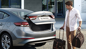 All-New Elantra Hands-free smart boot