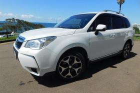 Subaru Forester Premium S4  XT
