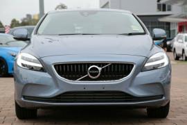 2018 Volvo V40 M Series T3 Momentum Hatchback