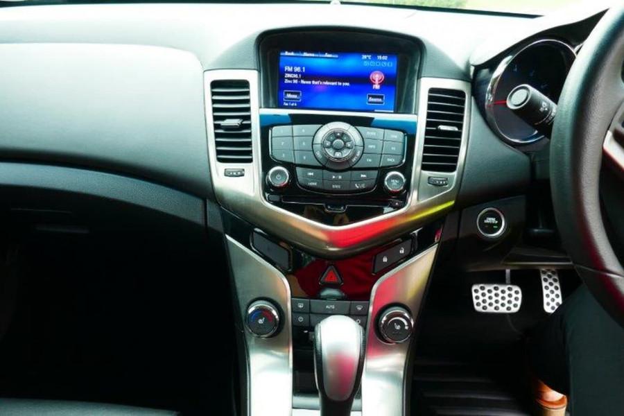 2016 Holden Cruze JH Series II  SRi Z-Seri Sedan