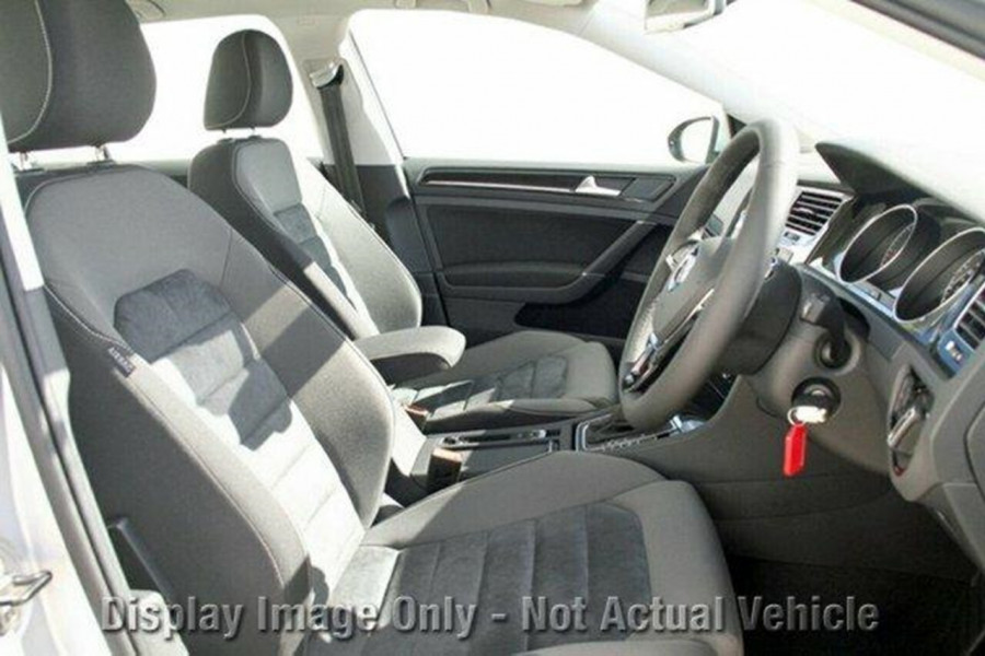 2017 Volkswagen Golf VII 110TSI Highline Hatchback