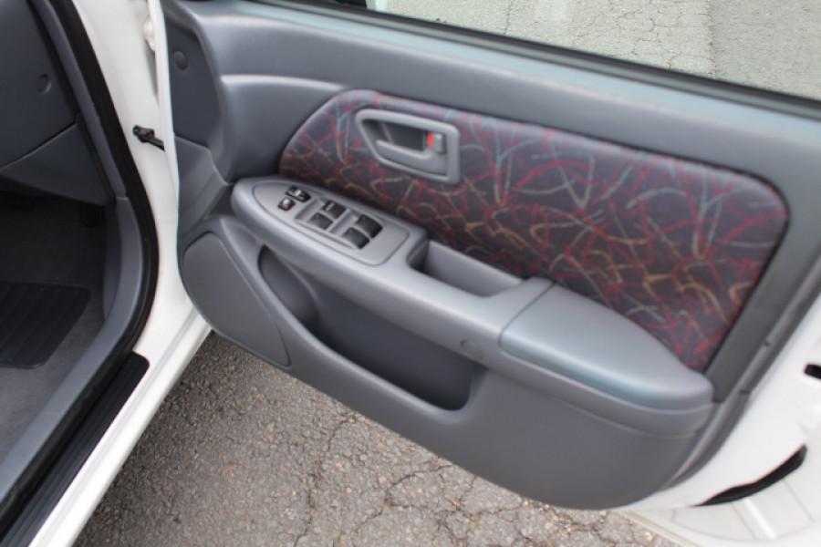 2001 Toyota Camry MCV20R Sedan