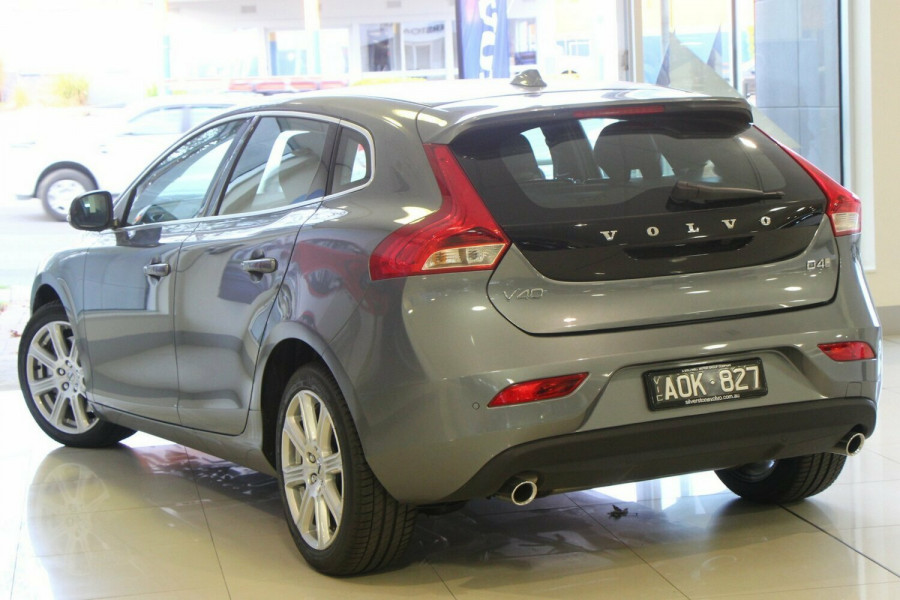 2016 MY17 Volvo V40 M Series D4 Inscription Hatchback