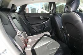 2016 Volvo V40 T4 Sedan