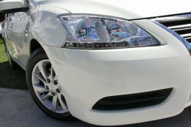 2014 Nissan Pulsar B17 ST Sedan