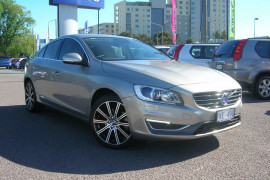 Volvo S60 T5 - Luxury F Series  T5