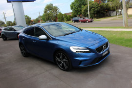 Volvo V40 T5 R-DESIGN (No Series) MY17