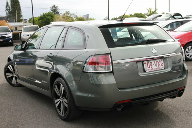 how to use park assist vf commodore