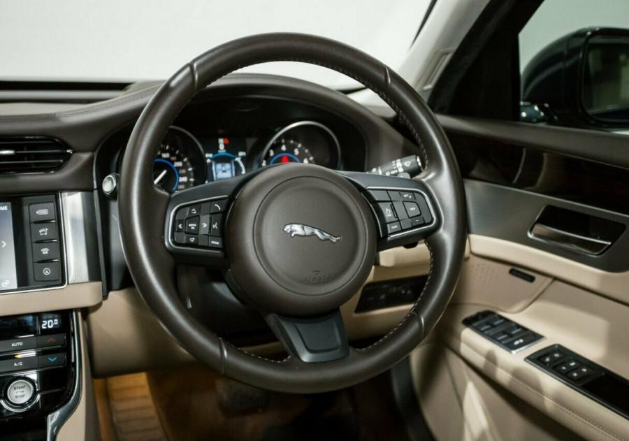2015 MY16 Jaguar XF X260 MY16 35T Portfolio Sedan