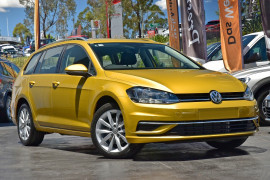 Volkswagen Golf Comfrtline 7.5  110TSI