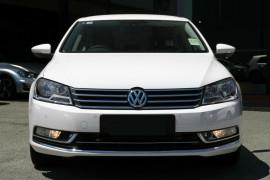Volkswagen Passat Sedan 130TDI Highline 3C