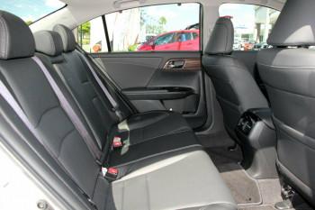 2017 MY16 Honda Accord 9th Gen V6L Sedan