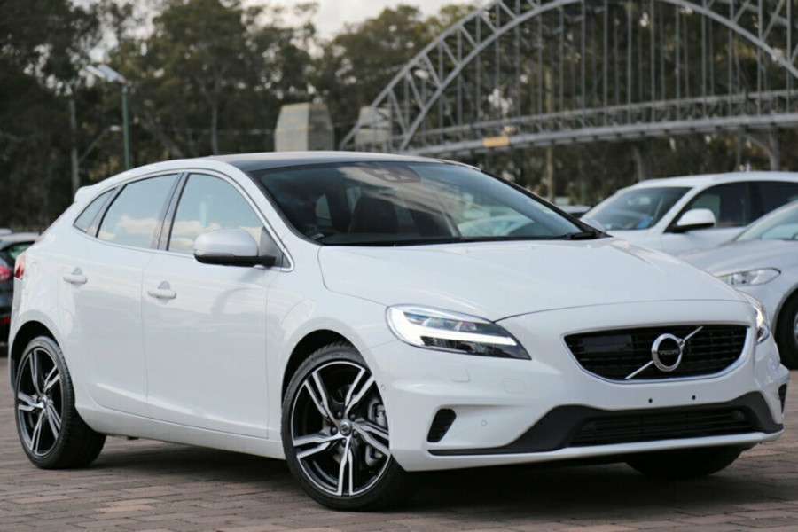 2017 Volvo V40 M Series T5 R-Design Hatchback