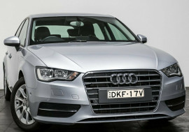 Audi A3 Attraction Sportback S tronic 8V MY15