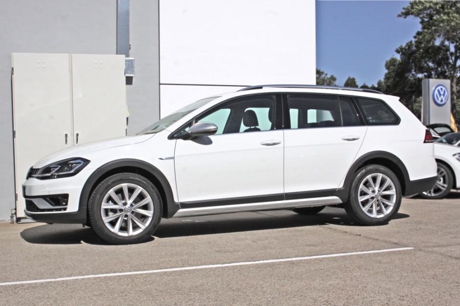 2017 My18 Volkswagen Golf Alltrack 132tsi Premium Wagon
