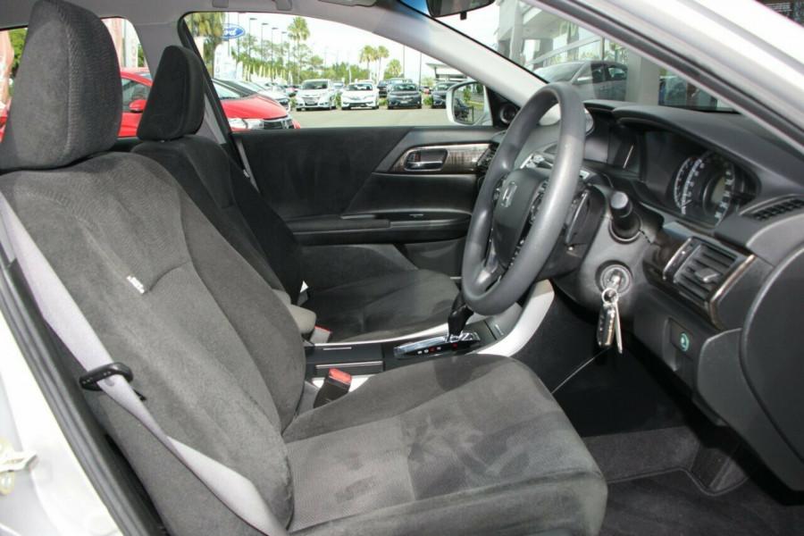 2013 MY12 Honda Accord 8th Gen Limited Edition Sedan