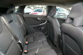2017 MY18 Volvo V40 M Series T3 Momentum Hatchback