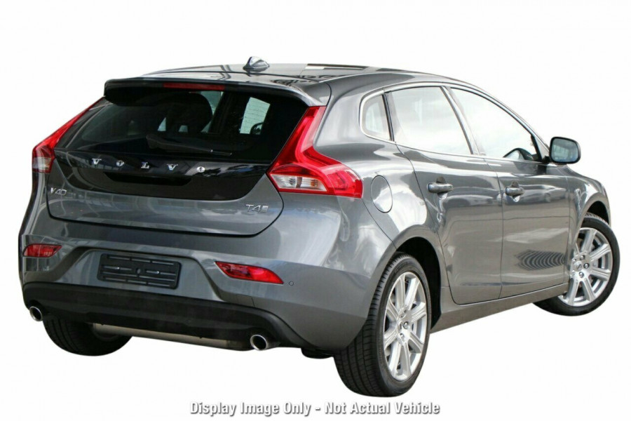 2017 MY18 Volvo V40 M Series D4 Inscription Hatchback