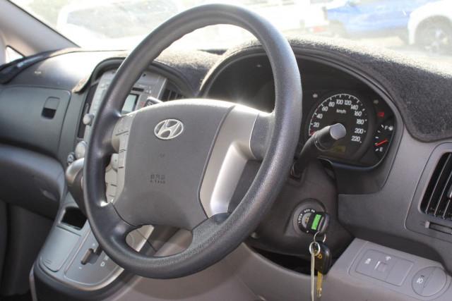 2011 Hyundai Imax TQ-W MY11 Wagon