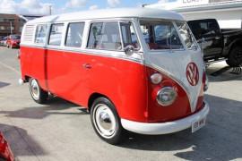 Volkswagen Kombi Mini Bus Split Window Type 2