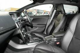 2017 Volvo V40 M Series D2 Momentum Hatchback