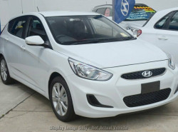 'Hyundai Accent Sport RB6 MY18' from the web at 'http://resource.digitaldealer.com.au/image/480604355a34200e60887961406920_250_185-c.jpg'
