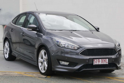 Ford Focus Titanium Sedan LZ