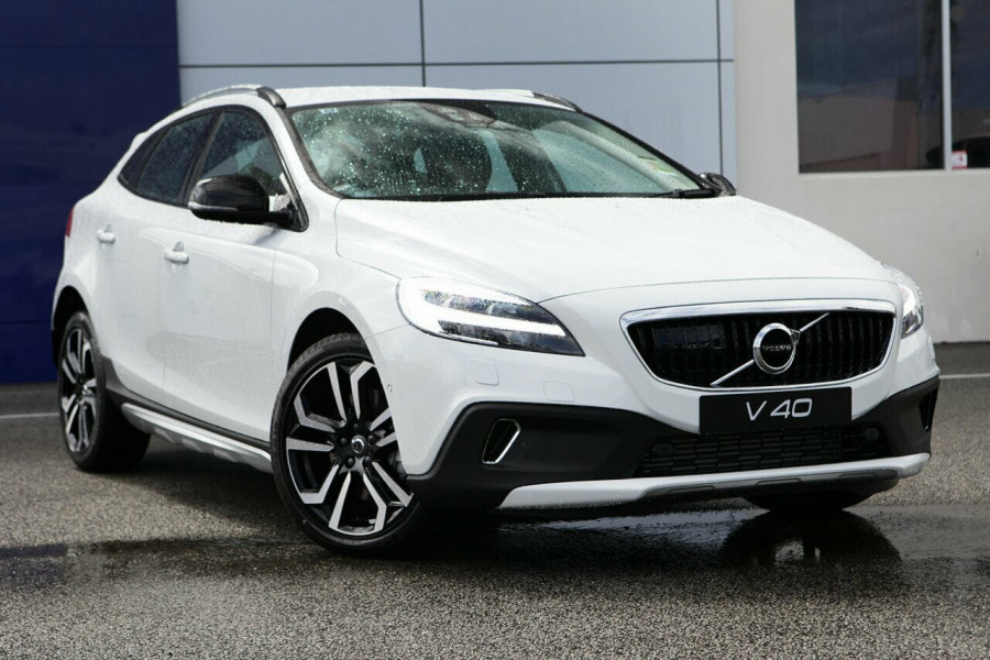 2018 Volvo V40 Cross Country T4 for sale - Volvo Cars Perth