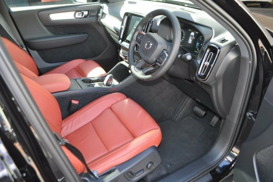 2018 Volvo XC40 XZ MY18 Momentum Wagon