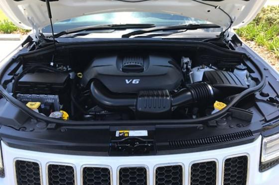 2014 MY15 Jeep Grand Cherokee WK Overland Wagon