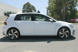 2017 Volkswagen Golf 7.5 GTi Hatchback