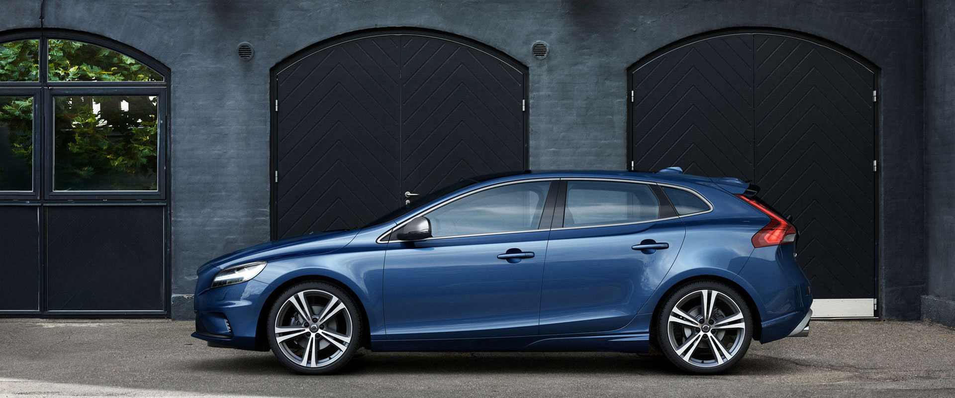 new volvo v40 for sale volvo cars parramatta. Black Bedroom Furniture Sets. Home Design Ideas