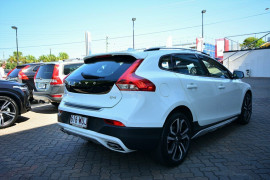 2016 MY17 Volvo V40 Cross Country M Series D4 Inscription Hatchback