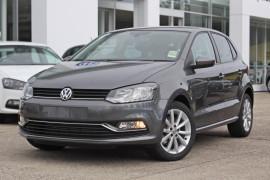 Volkswagen Polo Urban + 6R