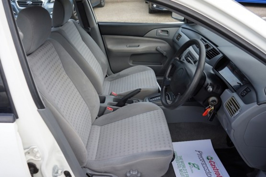 2003 Mitsubishi Lancer CH ES Sedan